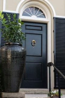 Elegant Regency-style Palm Beach Villa Combines Classic