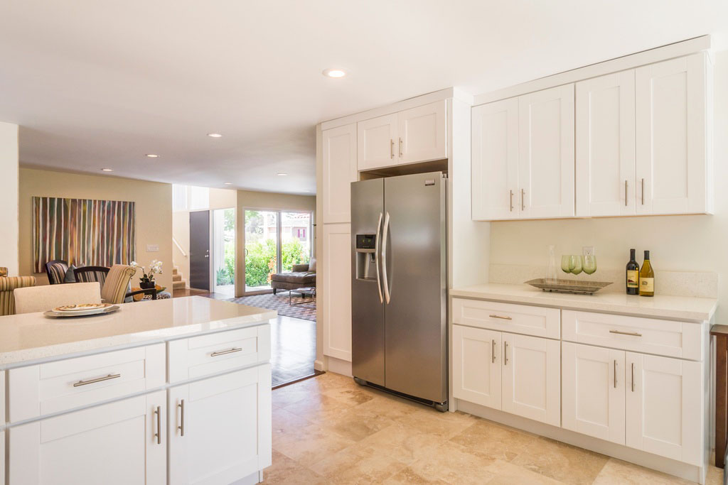 Newly Renovated Contemporary Small Kitchen With Clean Look