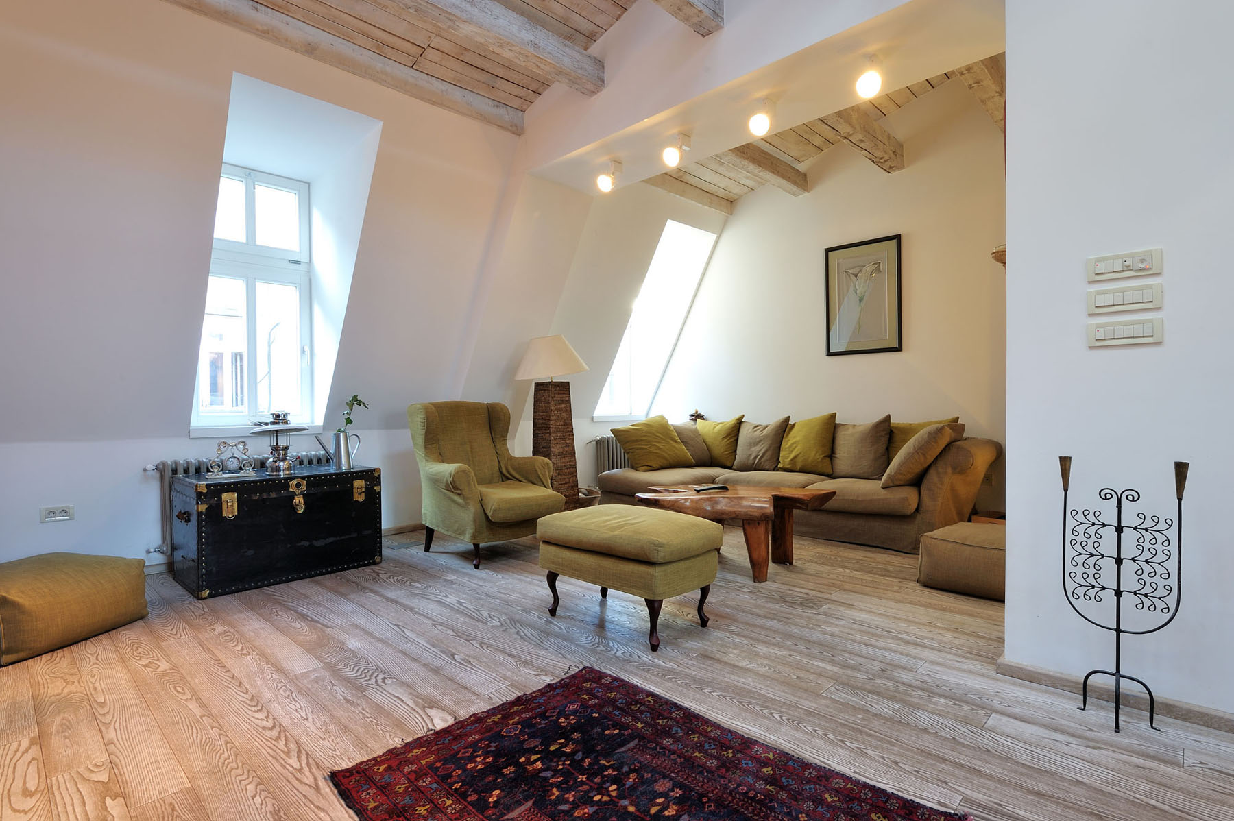 oak kitchen chairs pre assembled cabinets online stylish renovated attic penthouse in belgrade with rustic ...