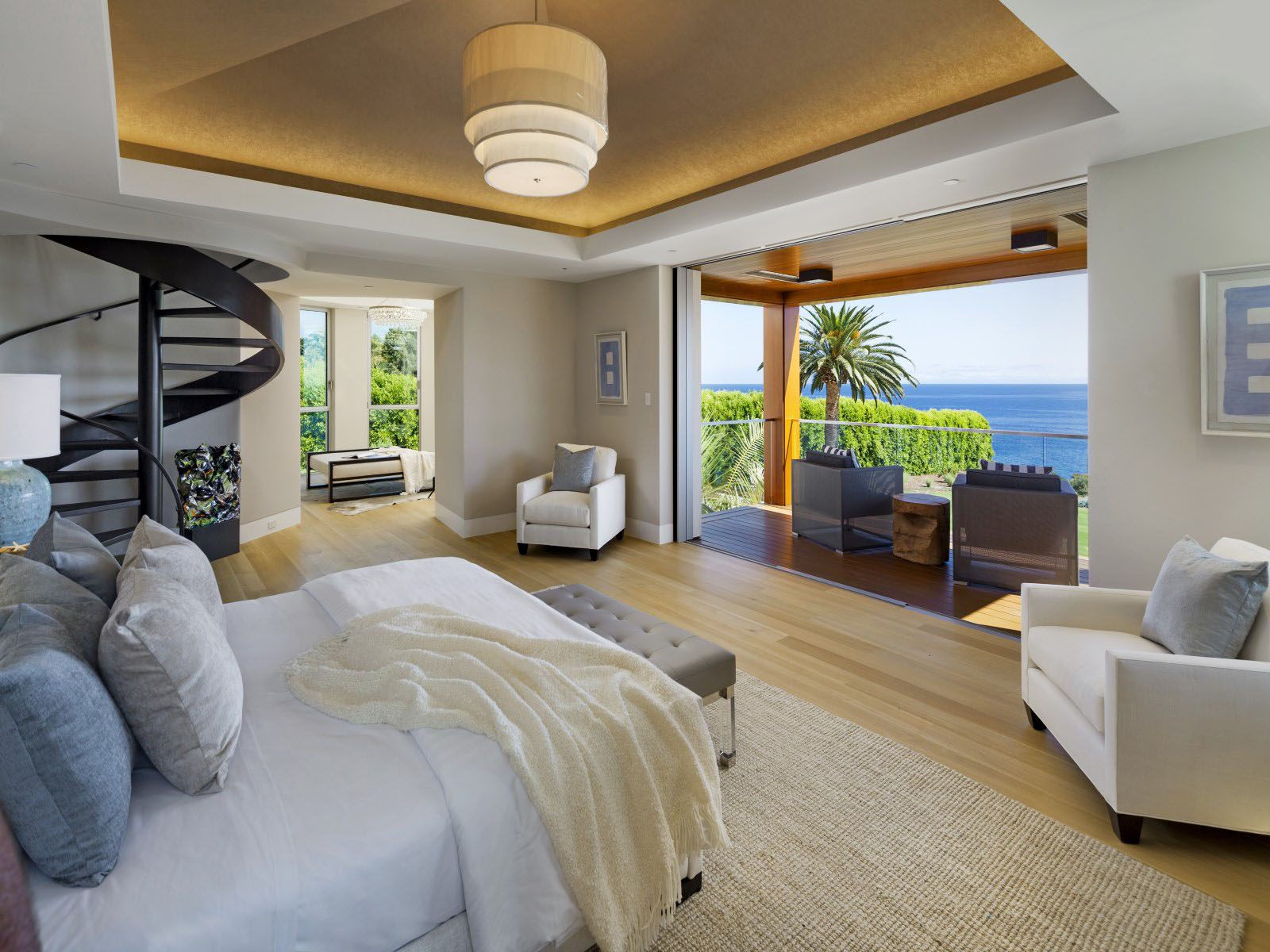 PostModern Contemporary Oceanfront Mansion In Santa