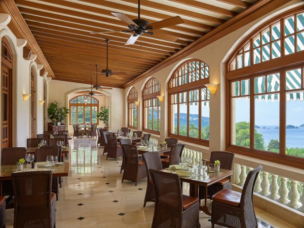 Verandah-restaurant-repulse-bay 1