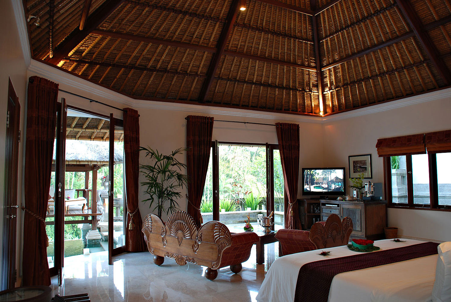 beach themed living rooms ideas red black furniture room romantic viceroy bali resort in ubud | idesignarch ...