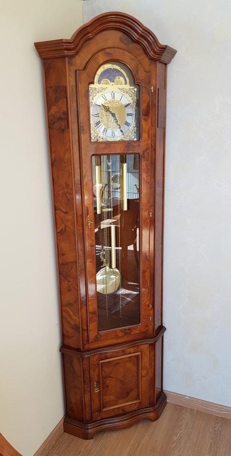 Orologio da parete a pendolo (radiocontrollo), moderno con vetro minerale e metallo, colore: Angular Pendulum Clock In Classic Style Idfdesign