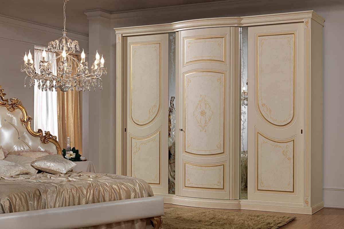 Armadio in stile classico con specchi decorativi  IDFdesign