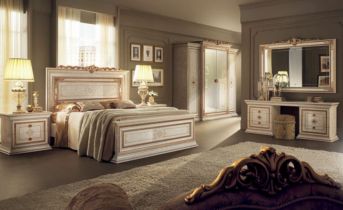 Arredo classico per camere con letto matrimoniale armadio 4 ante pettiniera e comodini 2
