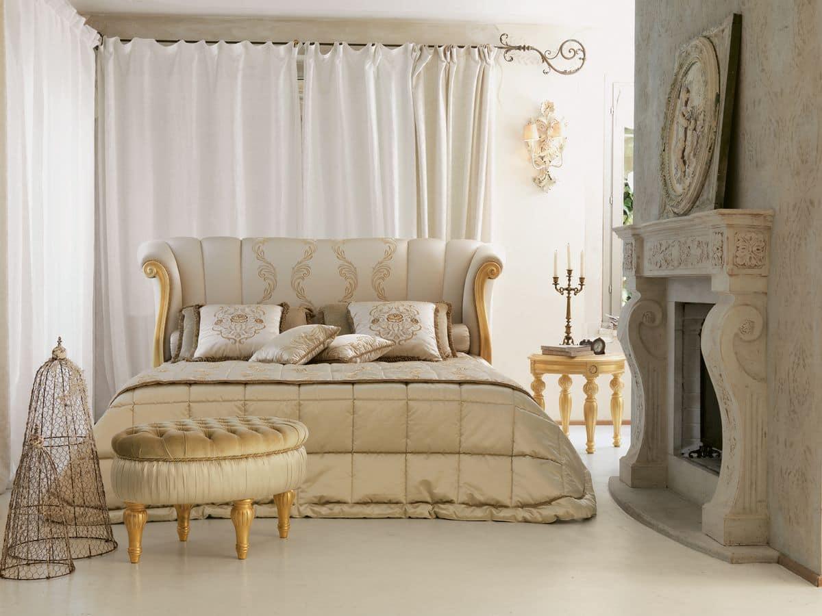 Per chi vuole osare con un letto matrimoniale moderno di lusso,. Letto Classico Di Lusso Intaglio Con Finitura Foglia Oro Idfdesign