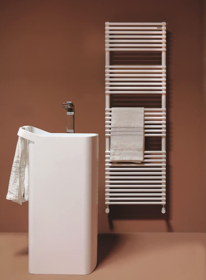 Radiatore cromato per bagno disponibile in diverse