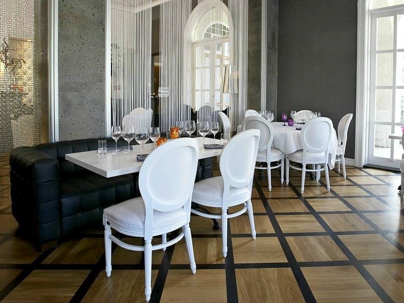 Sedia classica imbottita per sale da pranzo e ristoranti