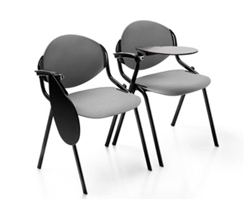 Sedie per sale conferenza. con tavoletta e sedile imbottito | IDFdesign