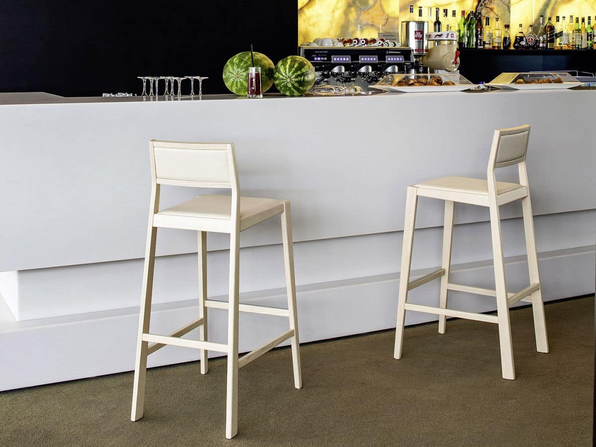 Sgabello in legno per bar e cucine moderne  IDFdesign