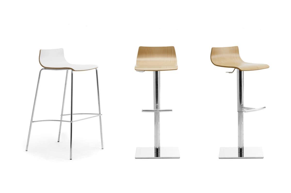 Sgabello impilabile con seduta in legno per bar IDFdesign