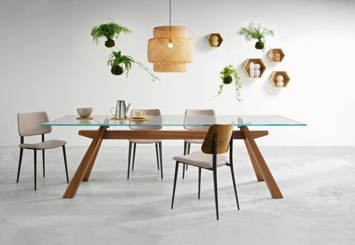 Tavolo da pranzo con struttura in legno e piano in vetro  IDFdesign