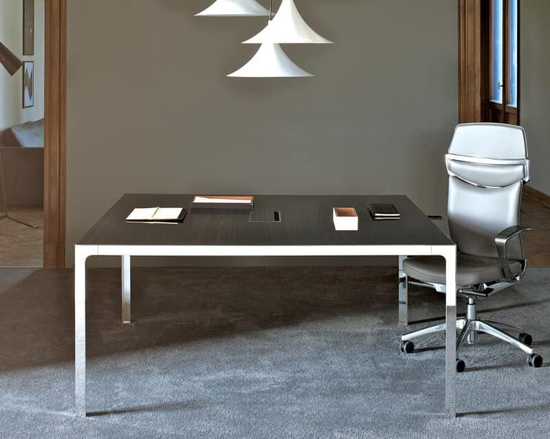 Tavolo per sala riunioni piano in legno struttura in