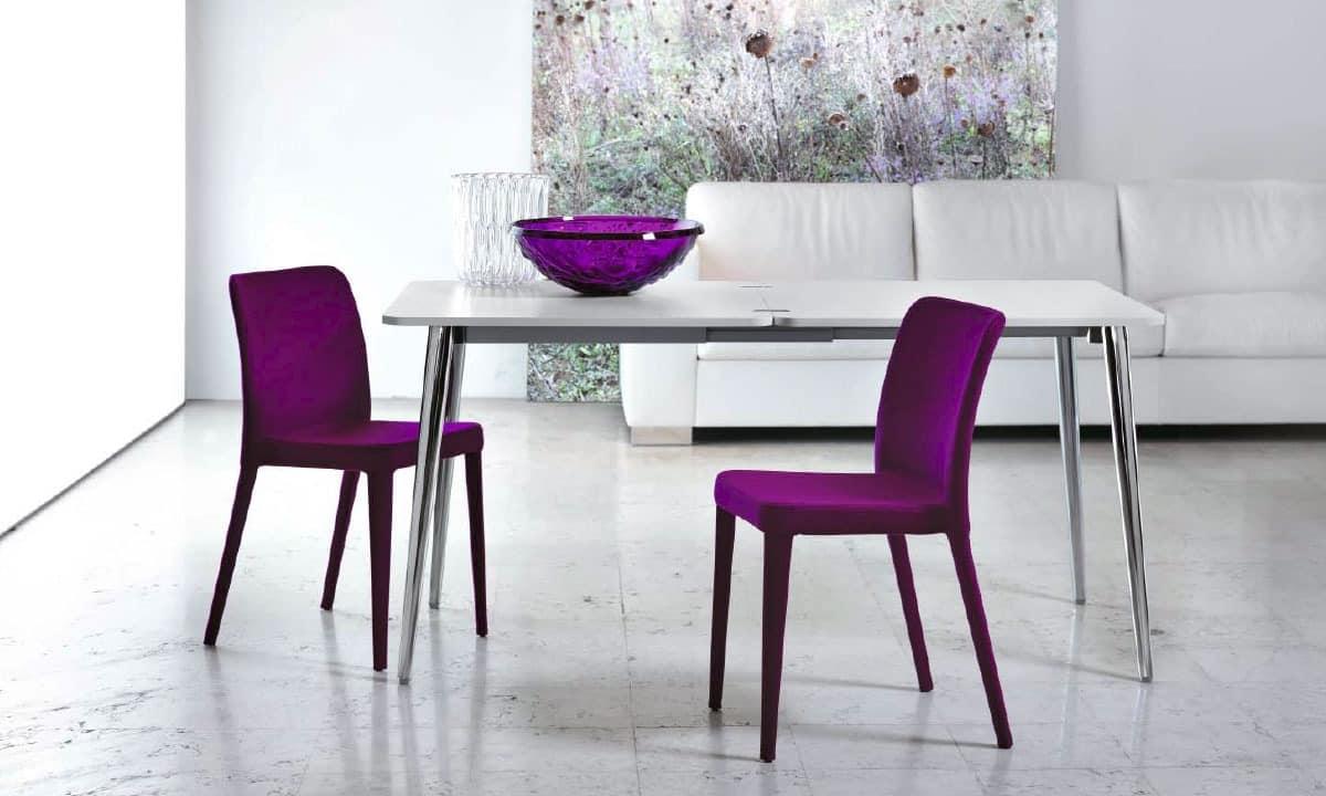 Tisch mit ChromMetallBasis fr Wohnzimmer  IDFdesign