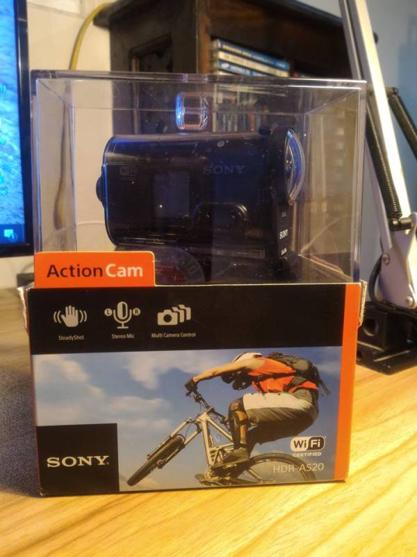 sony-hdr-as-20-1