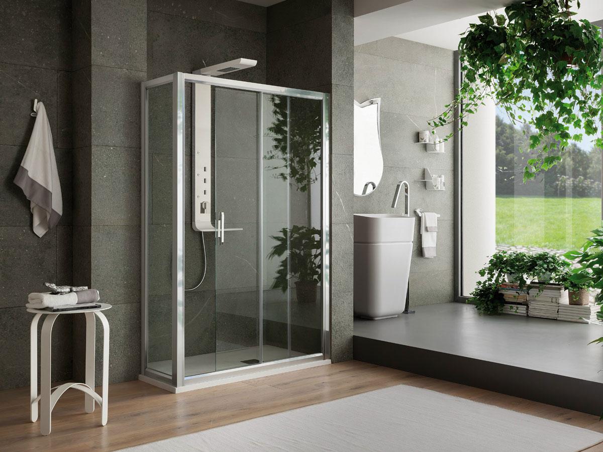 italienne dans une salle de bain design