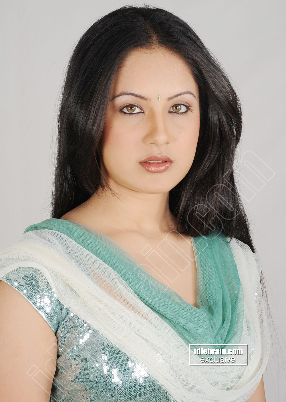 Pooja Bose - Pooja Bose photo gallery - Telugu cinema actress