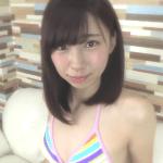 【椎名里奈】-カップ キュートな困り顔とカラフルビキニ姿のイメージ