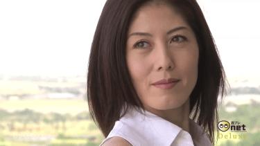 【小島慶子】-カップ 女子アナのビキニ姿や競泳水着姿などの激レア映像
