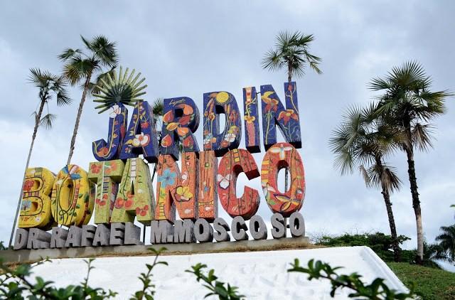 Nuevo tren y vistosos letreros en jard n bot nico nacional for Jardin botanico costo entrada