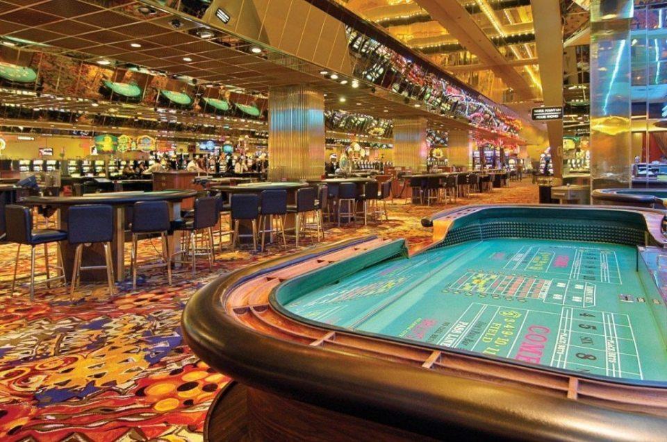 Bally's-Atlantic-City-Gaming-Table-Games-3
