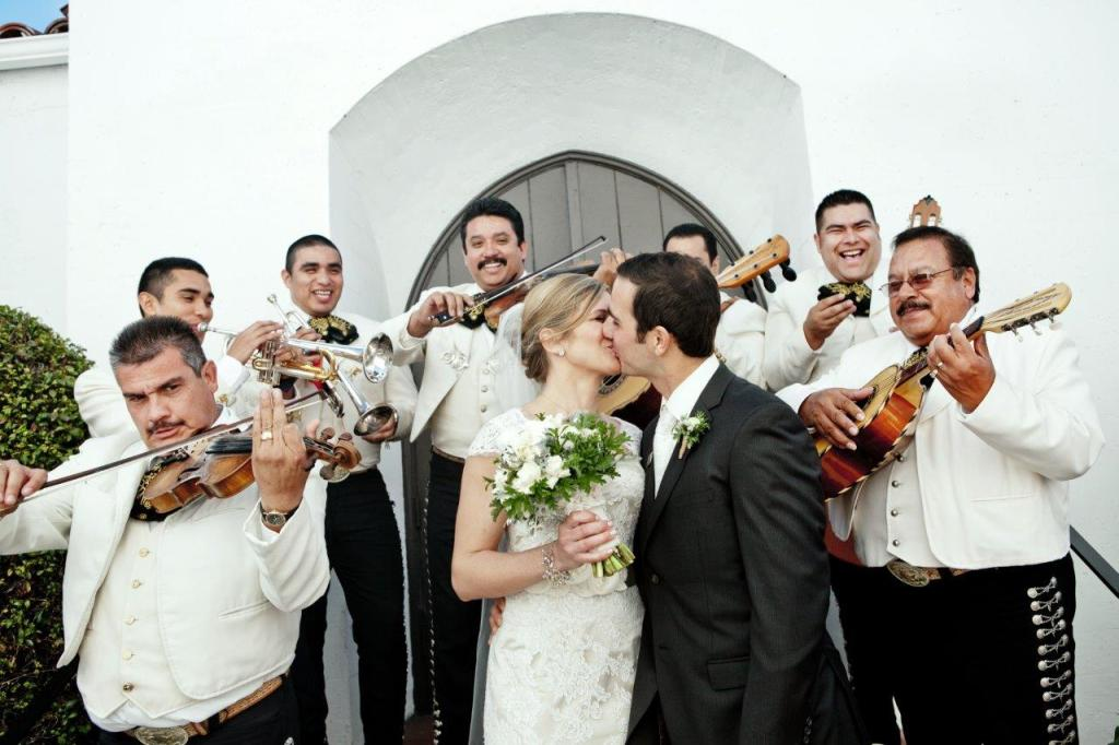 mariachi wedding band