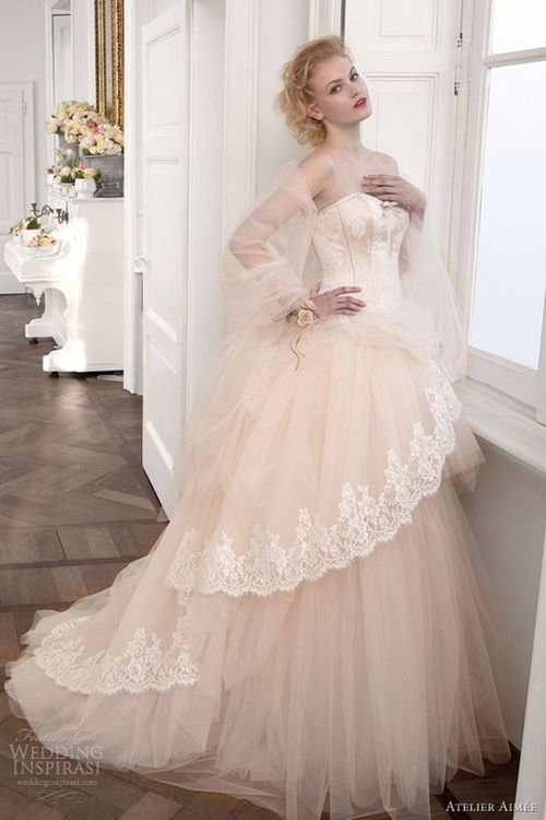 10 Victorian-Inspired Wedding Gowns To Swoon For | Wedding Attire ...