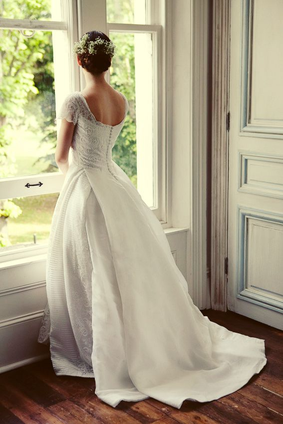 Buttons Down the Back: Sophisticated Wedding Gowns