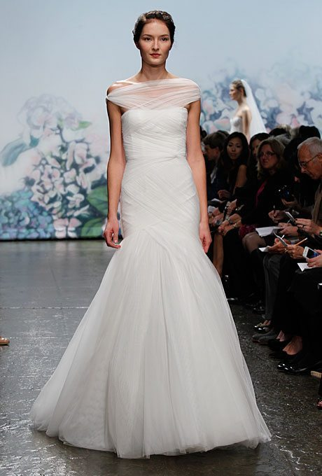 new-monique-lhuillier-wedding-dresses-fall-2012-014