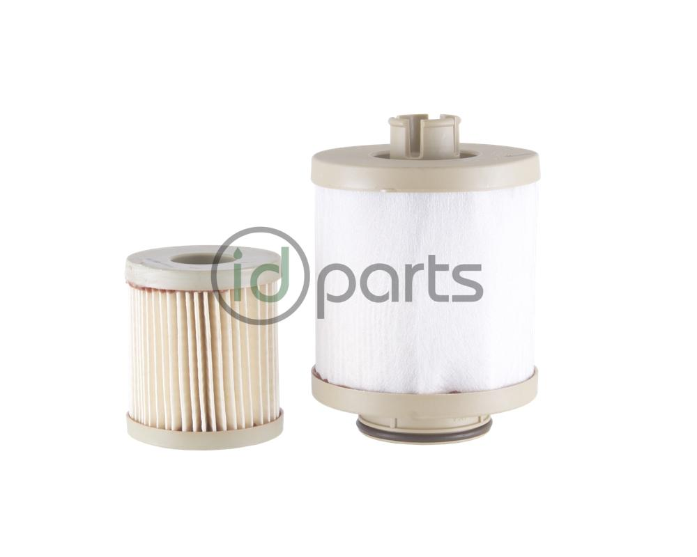 hight resolution of fuel filter set from oe manufacturer racor for the powerstroke 6 0l engine used in the ford super duty and econoline van