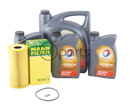 small resolution of oil change kit for the 1996 1999 e 300 d both non turbo and turbocharged editions all oils in this kit are approved for mercedes benz 229 3 or better