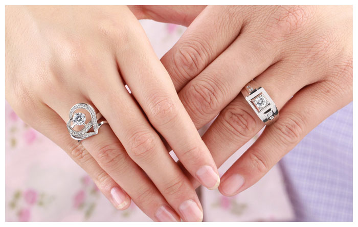 Cubic Zirconia Diamond Engagement Rings Set For Men And