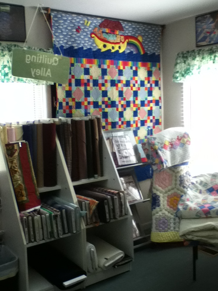 Quilters Alley 008