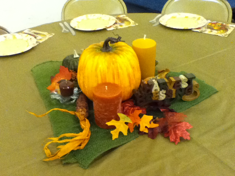 Thanksgiving table decorations 007