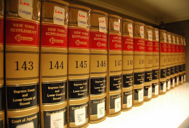 IMPOSTA PUBBLICITA' – Corte di Cassazione – Sentenza n.3557 del 25/3/1995 – Accollo imposta