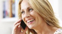 woman talking to friends on phone