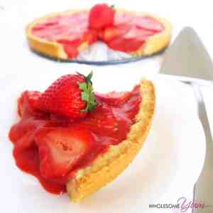 5-Ingredient Strawberry Tart that is paleo and low carb! View other strawberry recipes at idyllicpursuit.com
