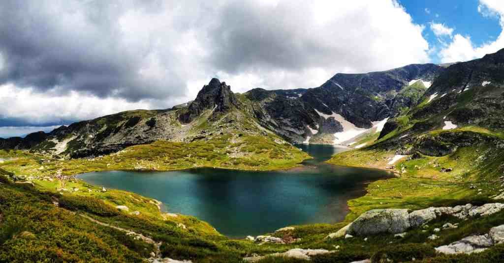 Bulgaria: Affordable World Travel: Destinations to Visit When You're Broke