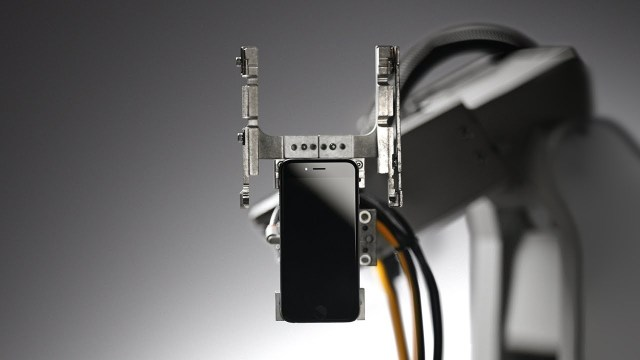 Meet 'Liam' - How to recycle Apple iPhone