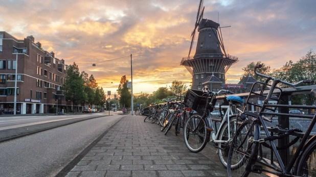 Βόλτα με ποδήλατα στο Αμστερνταμ