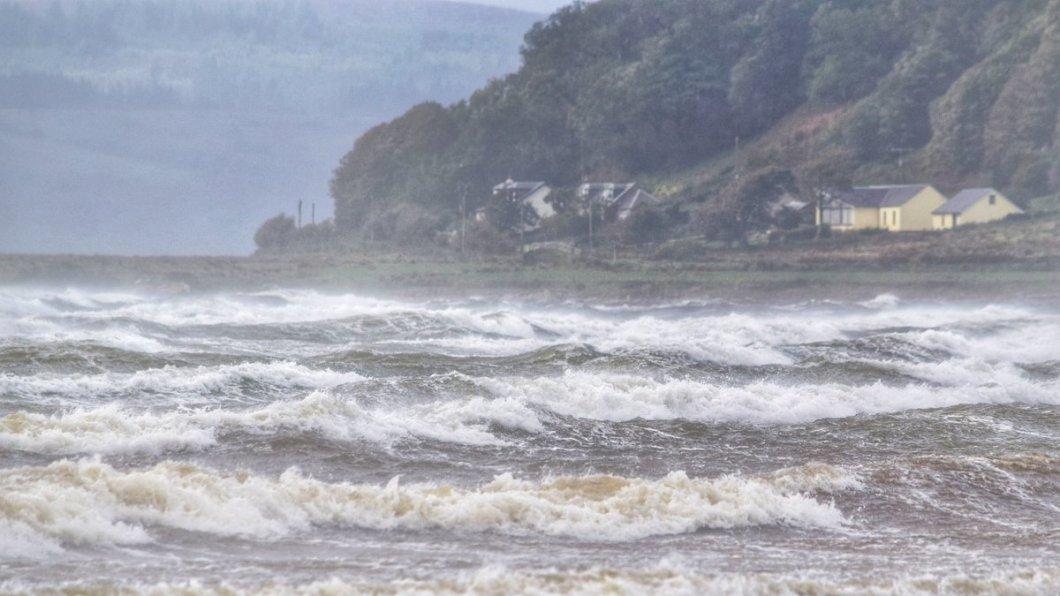 Oι άνεμοι έφτασαν μέχρι και τα 150 χιλιόμετρα την ώρα / Φωτογραφία: Twitter