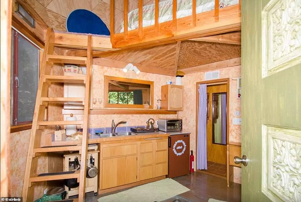 Η κουζίνα του Airbnb