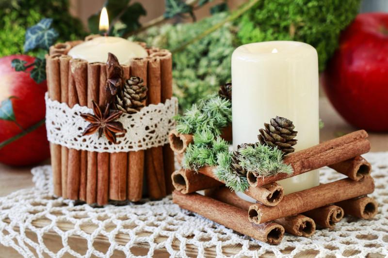 ξυλάκια κανέλας με κεριά