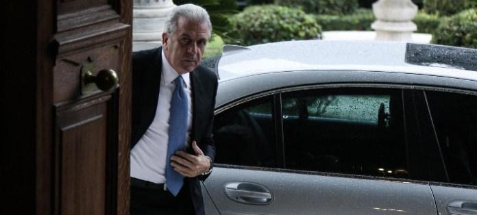 Εμπλοκή με Αβραμόπουλο - Δεν θα κάνει διάγγελμα ο Τσίπρας - Κοινοβουλευτική Ομάδα ΣΥΡΙΖΑ την Τρίτη