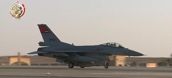 Αίγυπτος: Ο Σίσι βομβαρδίζει άντρο τζιχαντιστών στη Λιβύη – Αντίποινα στο φονικό των Χριστιανών