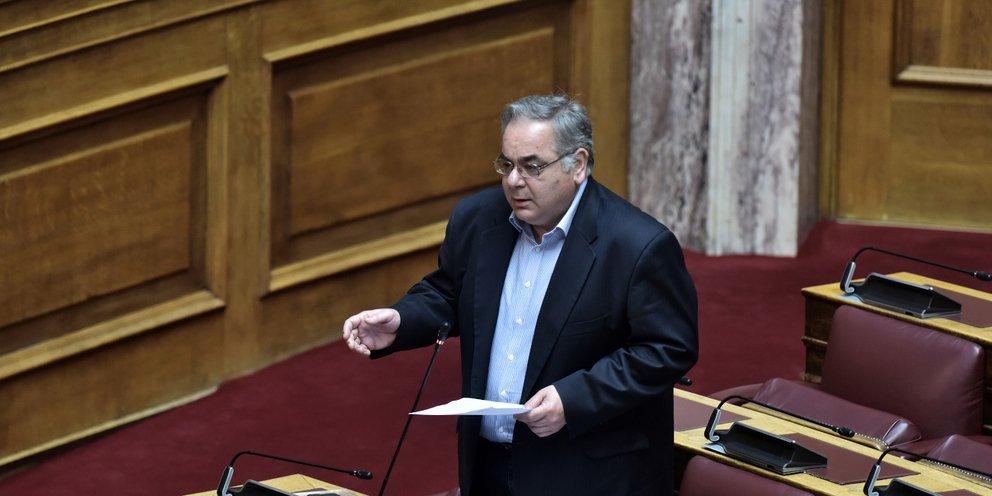 Ο Λαμπρούλης από το ΚΚΕ ζήτησε άδεια από τη Βουλή για να εργαστεί ως  γιατρός κατά του κορωνοϊού   ΠΟΛΙΤΙΚΗ   iefimerida.gr
