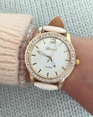 ceas de dama auriu cu pietre