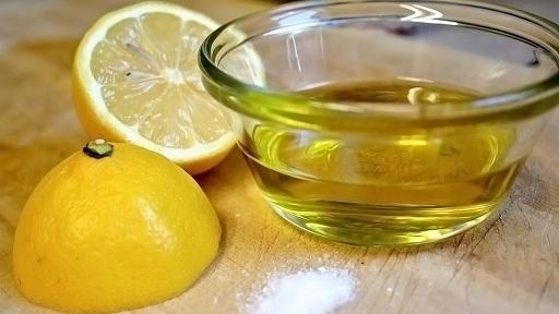 Olive Oil with Lemon for Dark Circles