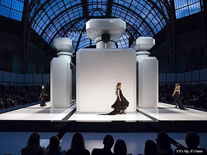 CHANEL Fall 2009/2010 Haute Couture