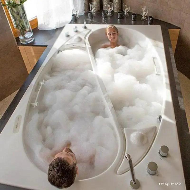 The Yin Yang Couple Tub